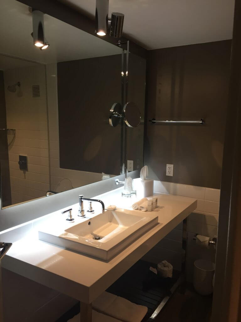 The very sexy renovated bathrooms - if you can't tell i'm a big fan